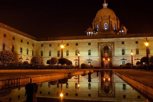 समूहों के दक्षिण पश्चिम फ्रांस बोर्डो को नई दिल्ली से यात्रा